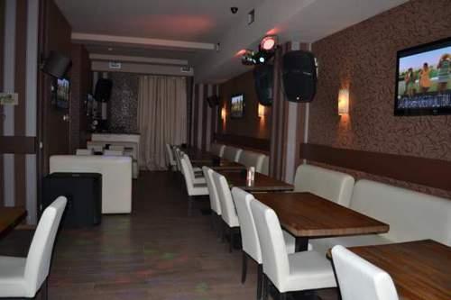 Действующий успешный бизнес кафе-караоке-бар