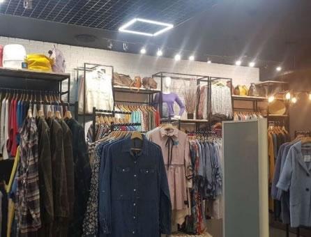 Сеть магазинов одежды в исторической части Киева
