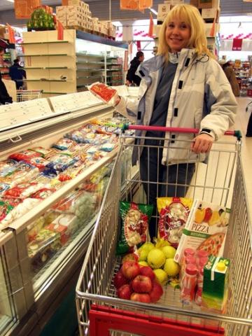 Поляки скупают супермаркеты на Западной Украине