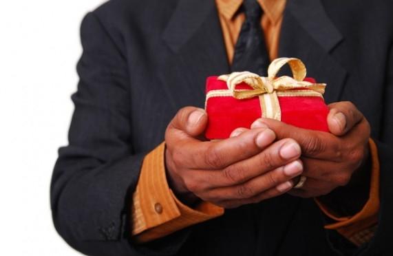 От мобильного телефона до тостера: выбираем новогодние подарки.