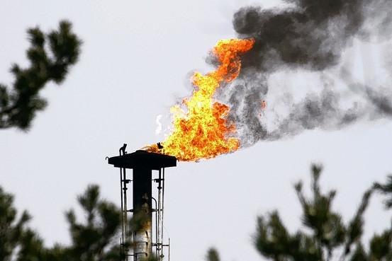 Добывать газ в Украине станут Shell и Chevron.