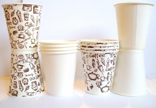 Пластиковые стаканы с крышкой москва
