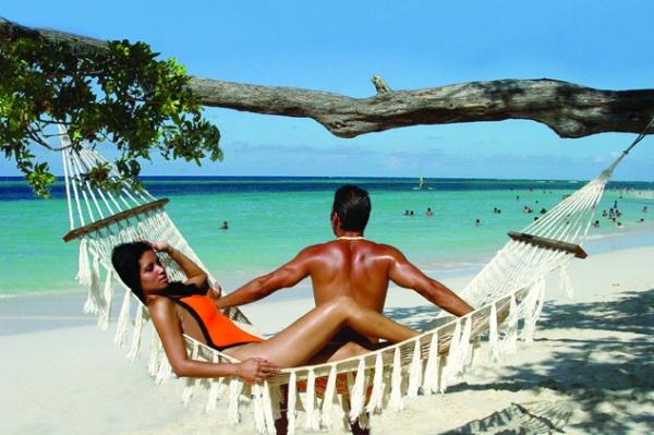 Купить туристический бизнес: инвестиции в вечное бизнес-лето